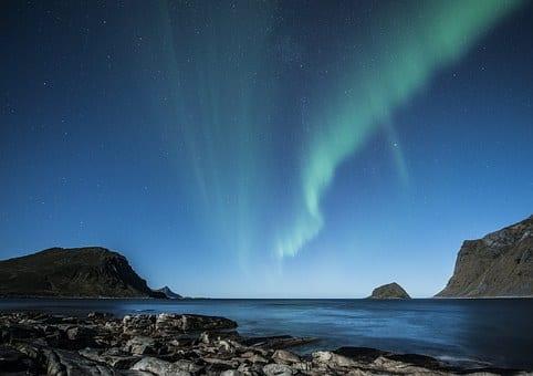 aurora borealis 1032523 340